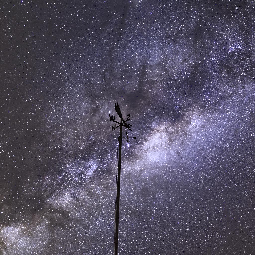 A weather vane points to the core of the Milky Way