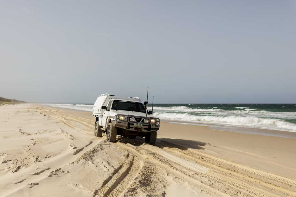 4wd driving in the ruts on the beach - how to drive on sand