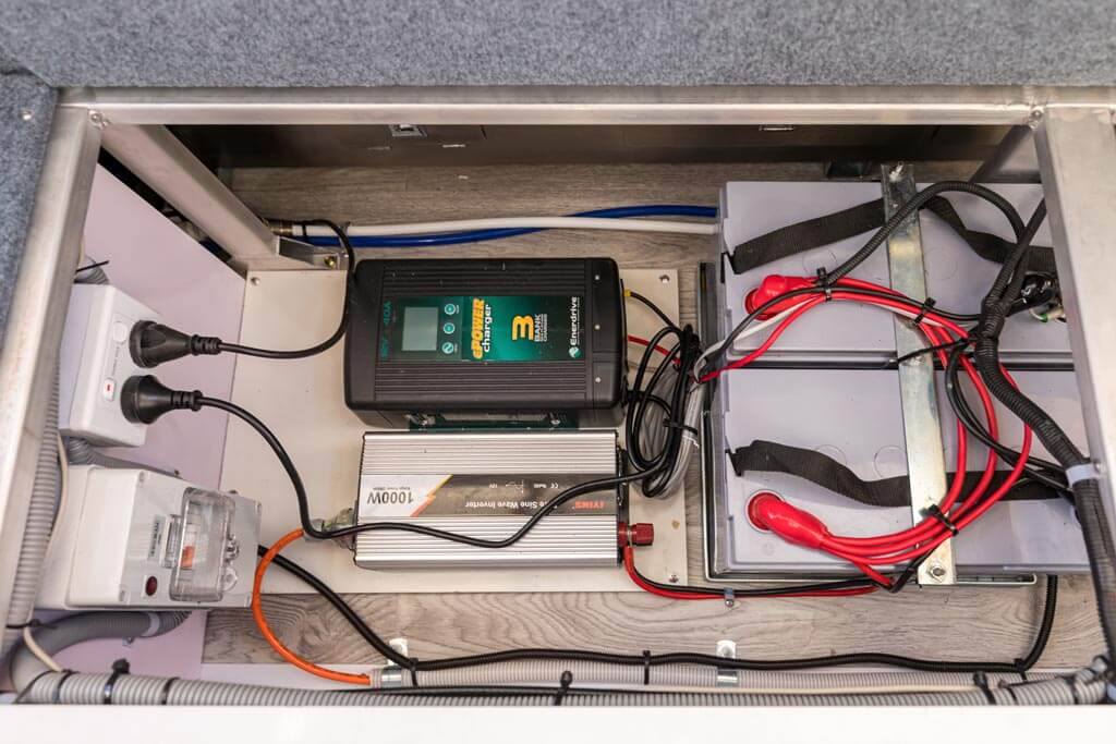 Electrical system. Battery, inverter and charger