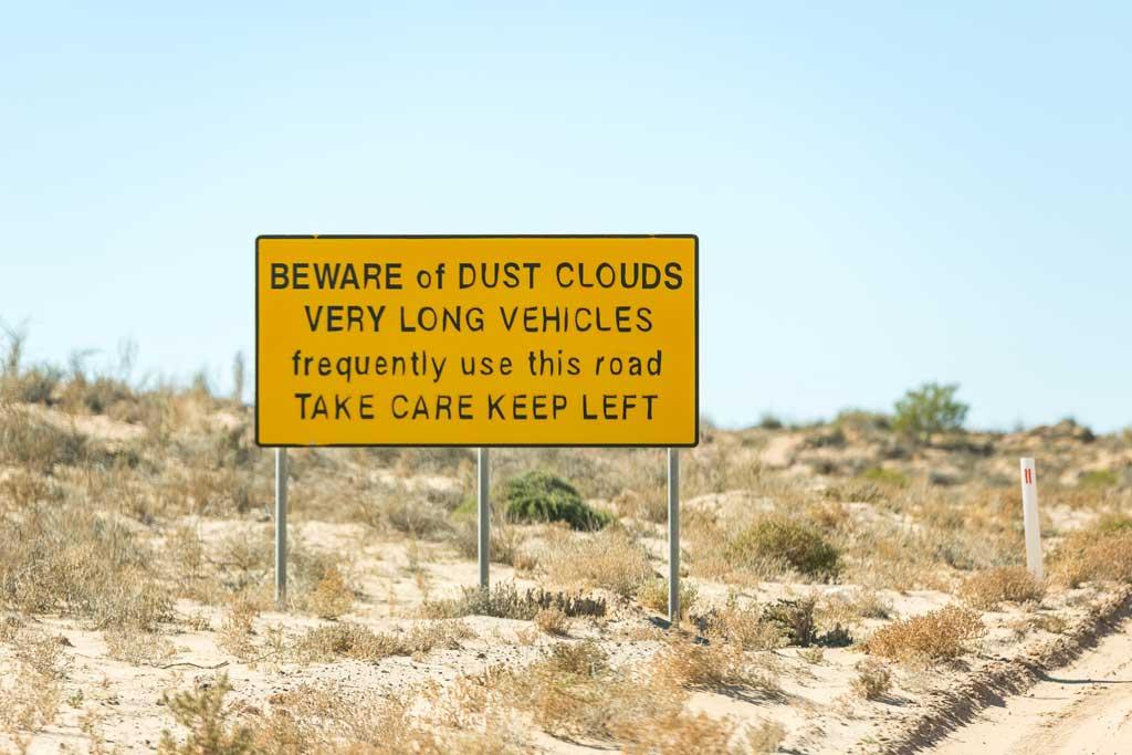 Warning sign - 4WD Tracks South Australia Strzelecki Track
