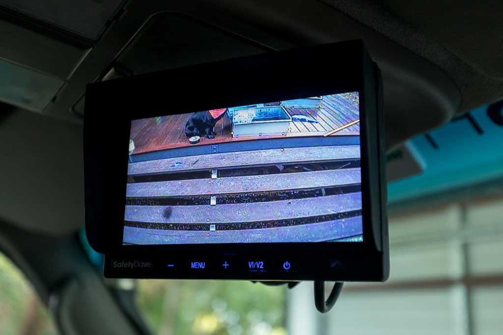 reverse camera monitor working